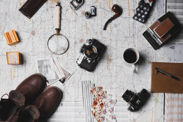 Cámara, lupa, café y demás gadgets