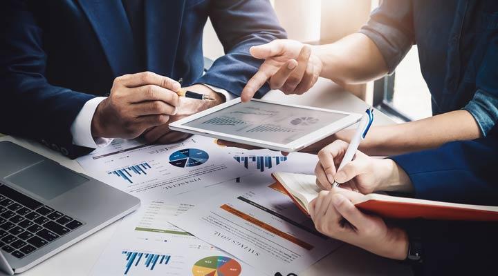 ¿Cuáles son los costes fijos en un proceso de emprendimiento?