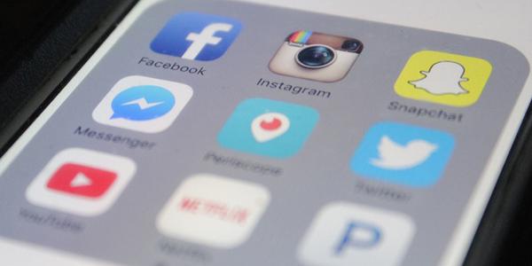 apps que no debes llevar en el móvil de empresa