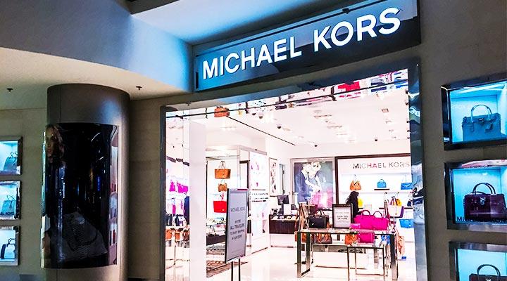 Michael Kors compra Versace por 2.000 millones de dólares