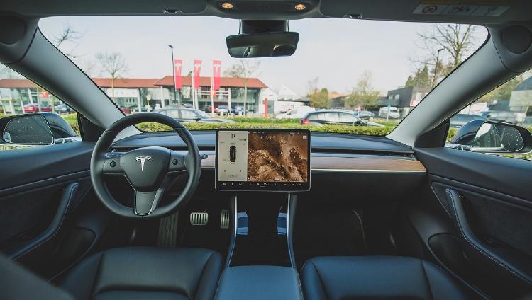 Salpicadero de un coche eléctrico