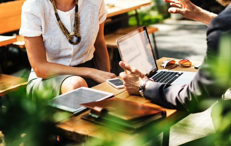 Compartir beneficios entre los trabajadores
