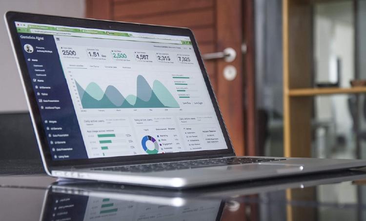 Portátil con información Small data