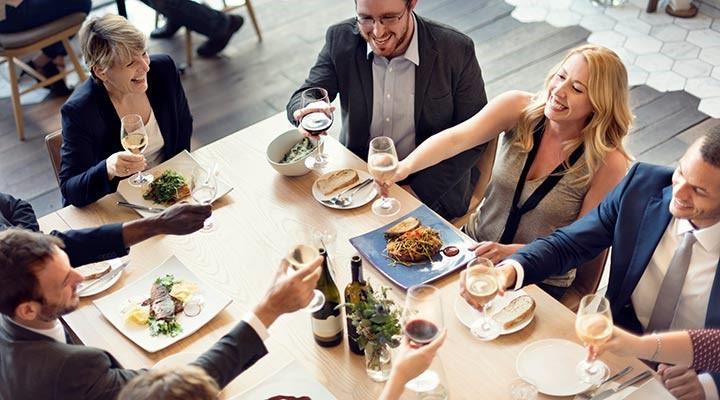 protocolo comida negocios