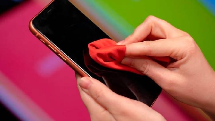 limpiar pantalla movil microfibra