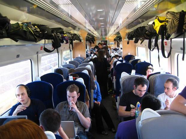 Vagón con viajeros