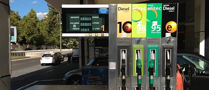 Gasolinera (CC)-by Alvy @microsiervos