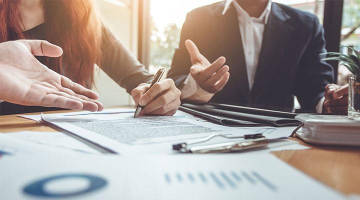firma-iniciativas-estatales-emprendedores-empresarios