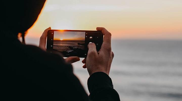 Persona haciendo fotografías