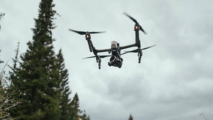 ¿Quieres volar un dron? Consejos prácticos que debes conocer