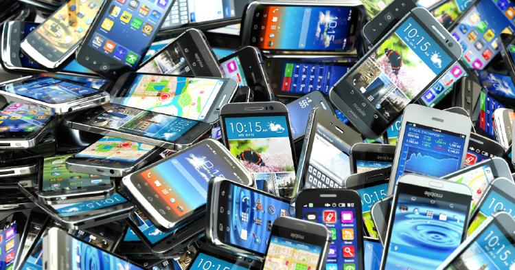 teléfonos móviles acumulados